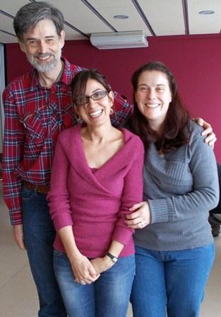 El Dr. Carlos González acompañado de Rita da Costa y Mireia Marcos, asesoras de lactancia de ALBA Vilanova